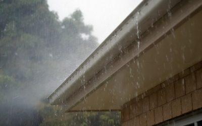 Causas y soluciones de las goteras en el techo